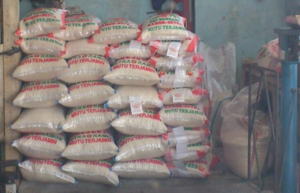 Hasil gambar untuk beras toko